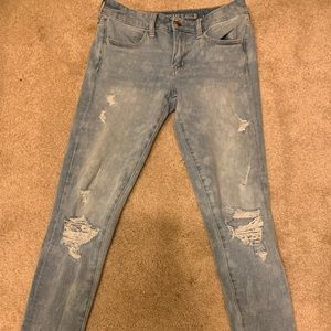 American Eagle X4 Light Wash Jeans!!